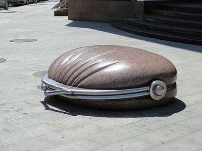 Памятник кошельку. Краснодар.