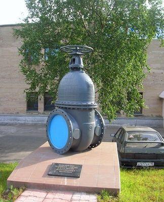 Памятник водопроводному крану. Петрозаводск.
