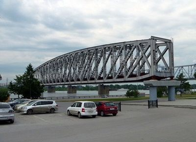 Новосибирск. Памятник мосту.